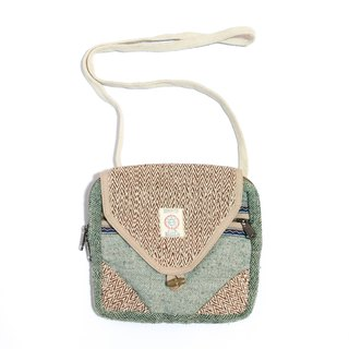 Zig Zag Medium Flap Shoulder Bag (mutli-colors)