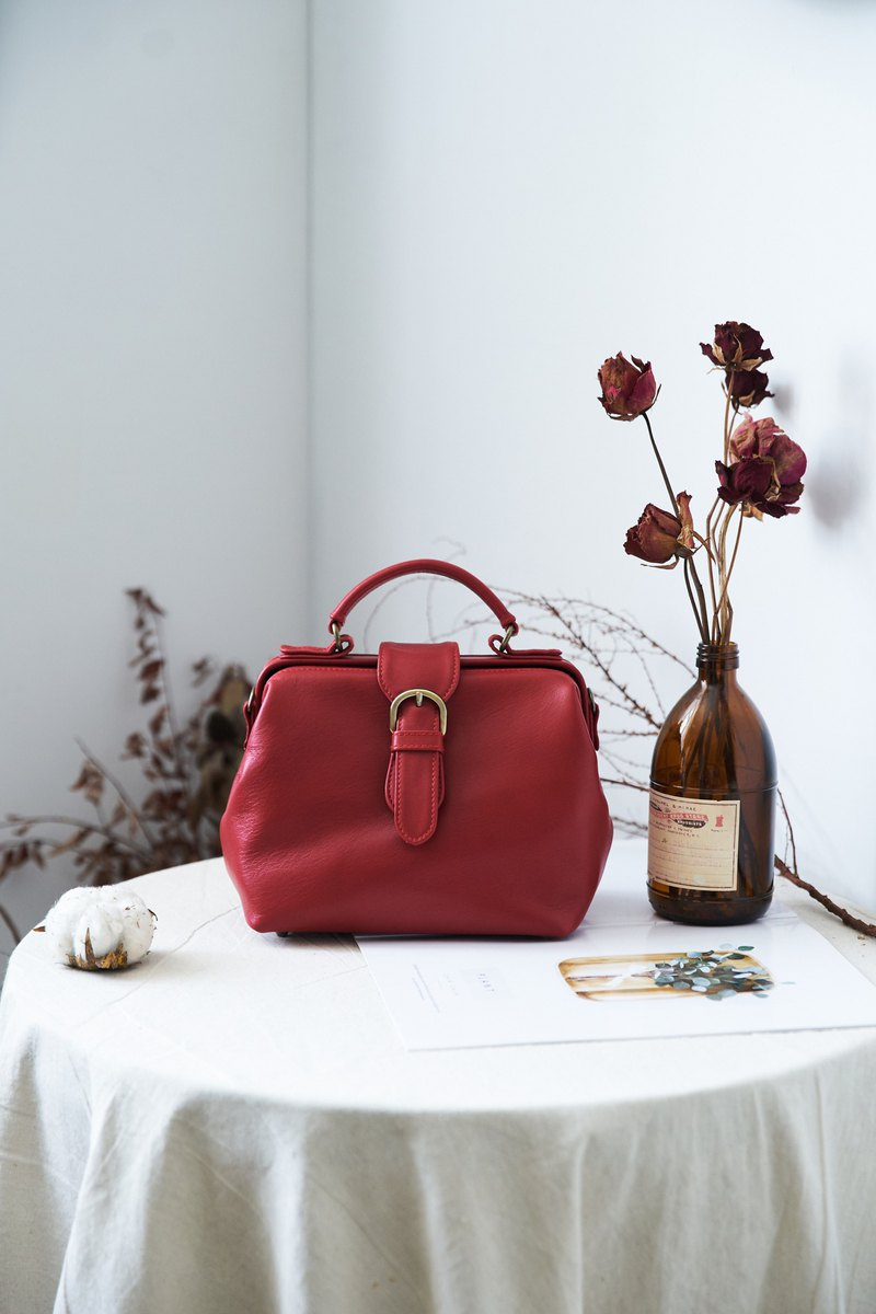 Minimalist Life Doctor Bag (Small) Port Wine Red