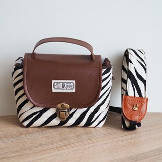 (small camera bag) Single small single eye camera thick cotton camera bag (beige zebra pattern) B31