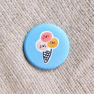 Three ball ice cream matte badge