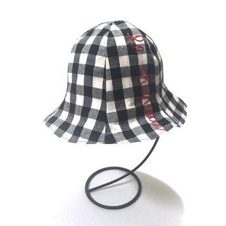 Gingham tulip hat Red hand embroidery