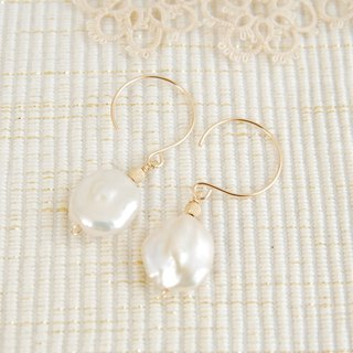 Pierced Earrings of Keshi Pearl 14 kgf