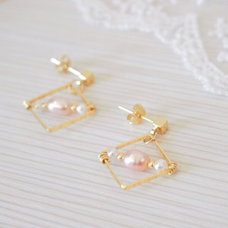 Anniewhere | Geometric Classics | Square String Pearl Earrings (without ear cutouts)