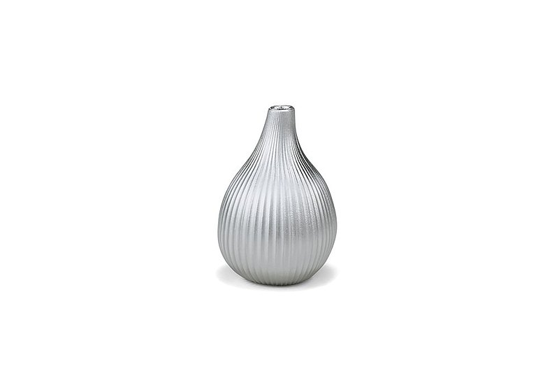 Pure tin vase (fig)