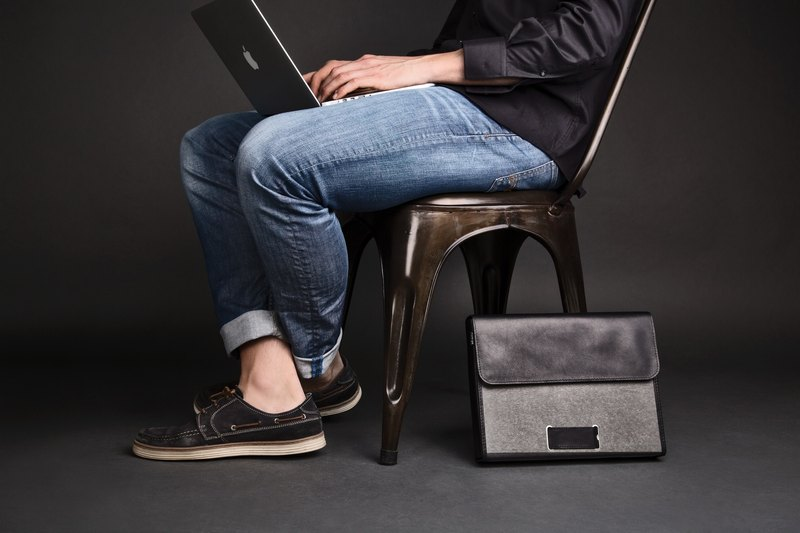ad:acta Assistent upcycled binder bag - unique laptop case without handle - German handmade, Italian Nappa leather (black)
