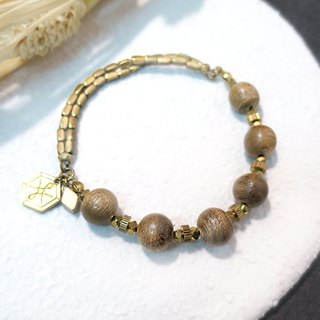 VIIART. Dark fragrance. Agarwood brass bracelet
