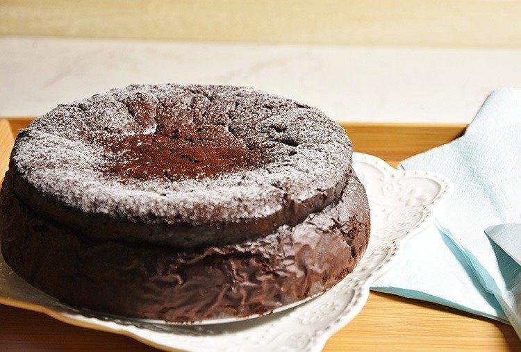 慶祝Celebrate-7吋古典巧克力蛋糕~濃純巧克力特級深黑苦甜巧克力