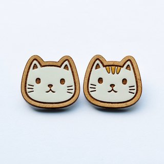 Painted wood brooch - Cat
