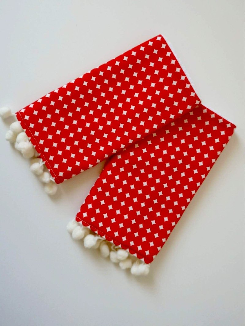 Bonbon Baby嬰兒背帶口水巾(紅點流蘇款)Teething Pads For Baby Carrier