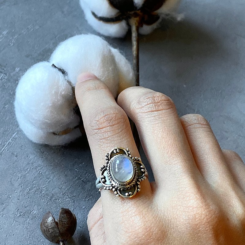 / 生命之花 / 月亮石 月光石 925純銀 手工 戒指