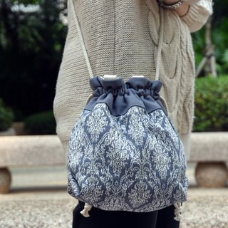 Silverbreeze ~ Three-in-one Shoulder / Crossbody / Tote Bag ~ Damask (A41)