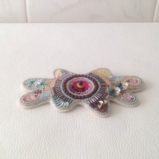 "【beads embroiderye】beads ameba brooch  ""Spring"""