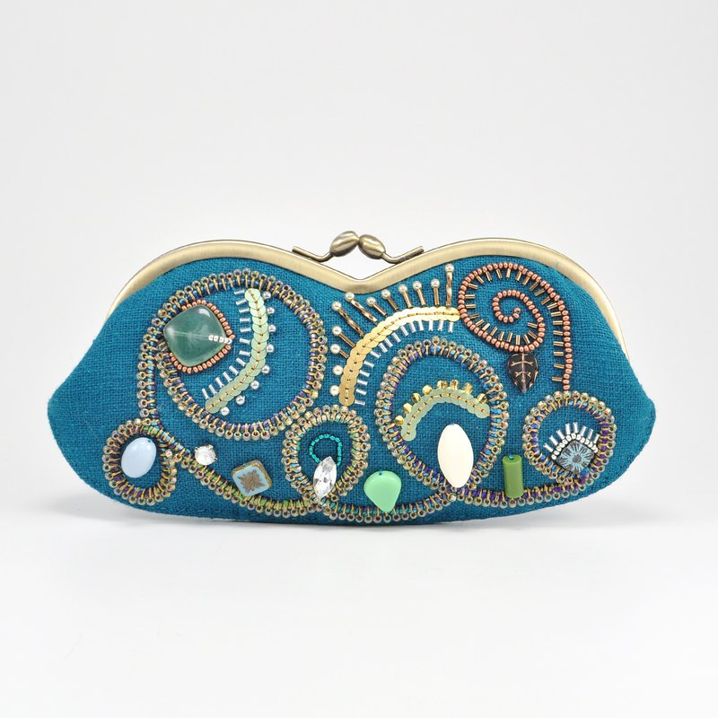 Sparkle and statement glasses case, blue sunglasses case, camel-like shape 1
