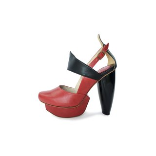 A Season for Murder DECLARE (Burgundy)-Platform shoe-Patented lips-shaped heel