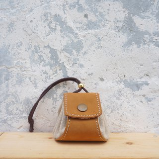 Small dumplings - leather purse / small bag / jewelry bag - light brown