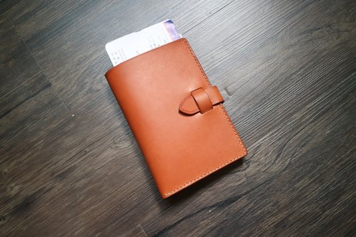 Yichuang Room | Vegetable tanned leather hand sewn passport holder passport cover travel