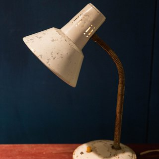 SECLUSION OF SAGE / Ivory - Ivory tinted desk lamp