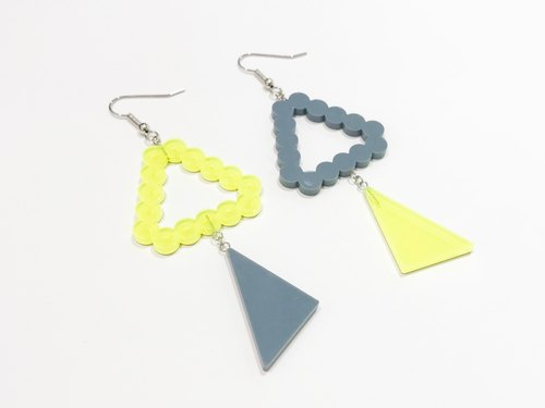 "Large figurative earrings / earrings ""triangle"""