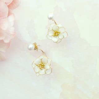 Aramore Bead Earrings Bending Forward White Flower Earrings - Order Production