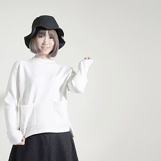 White Sheep Knit Cotton Top