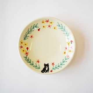 Hand painted small porcelain plate - wreath kitten