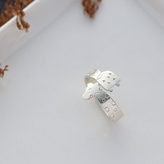 Ni.kou sterling silver christmas giraffe ring