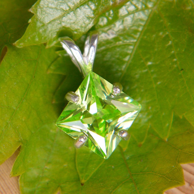 Sterling Silver Diamond Pendant - Austria Emerald Green Laboratory Gem