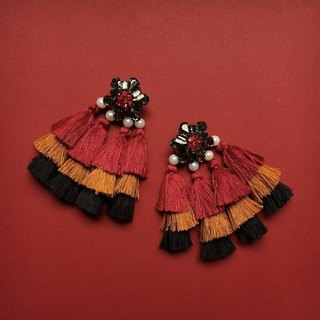 earrings : BABA YAYA red/gold/black