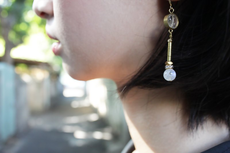 │ pendulum │ earrings - month wheel