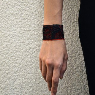 Shadow geometric embroidery bracelet