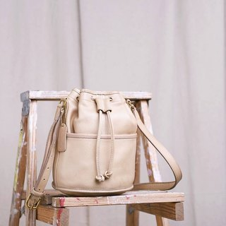 70s Vintage COACH Antique Bucket Bag