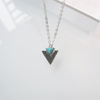 Turquoise - Triangle Arrow Spear Pendant Necklace - 925 Silver
