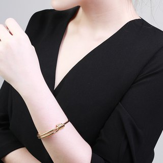 Bea Interlaced Gold Cuff