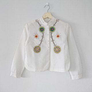 [Floral] hand embroidery - short shirt