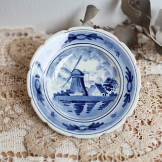 [Good day fetish] Netherlands vintage hand-painted ceramic classic windmill snack plate. Wall hanging