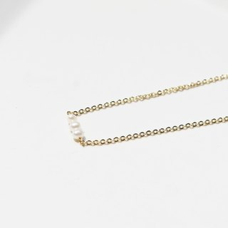 ::Girl Series :: Mini Pearls (3pcs) Fine Clavicle Chain