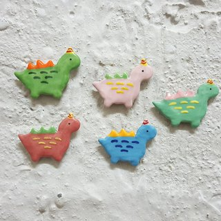 Small dinosaur ceramic pin