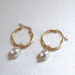South Sea pearls of hoop earrings Large (gold color)