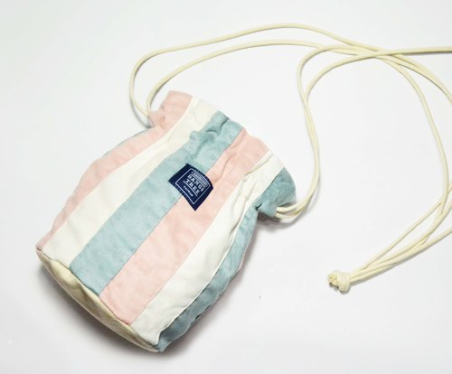 :: :: Bangs tree with pink light blue dorsal bucket bag _