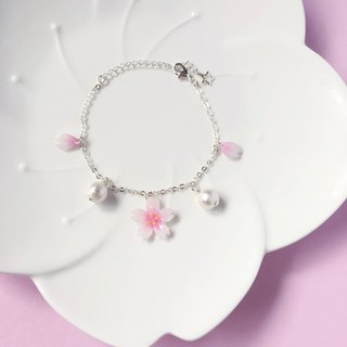 [Sakura Limited Edition] White Cherry blossoms hand-painted flower elegant flower petal cotton beads Bracelet * Haku‧Neko *