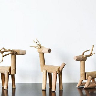 Handmade wooden creative deer ornaments