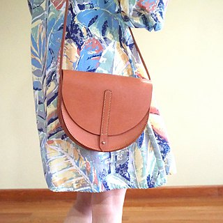 Half Moon Saddle Bag in Caramel Brown Leather - Minimalist / Half round bag