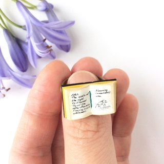 "Miniature book ring ""drugs love of the witch"""