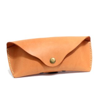 Small orange tanned leather stereo glasses case