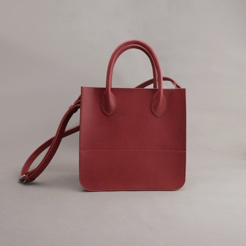 Deborah Deborah leather tote bag side backpack / magenta vegetable tanned leather / hand bag