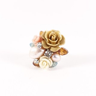 Small garden hand-ring (brown line), designer models, low-key Elegant Flower Crystal Ring