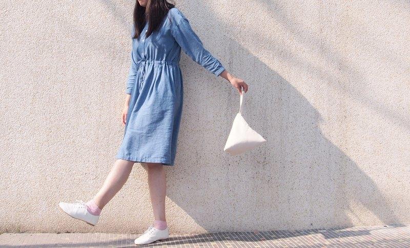 米白色 紅格 幾何 三角 化妝包/錢包 (M)