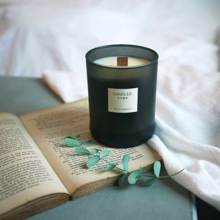 Good atmosphere | Tranquil black scented candle 300ml