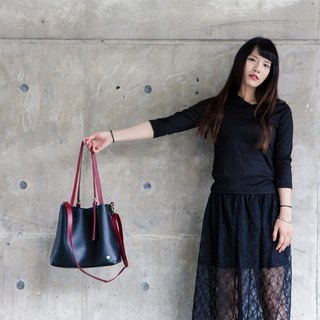 CLM Classic Tote Bag - Black Red