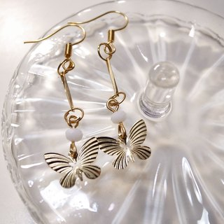 Butterflies fluttering earrings